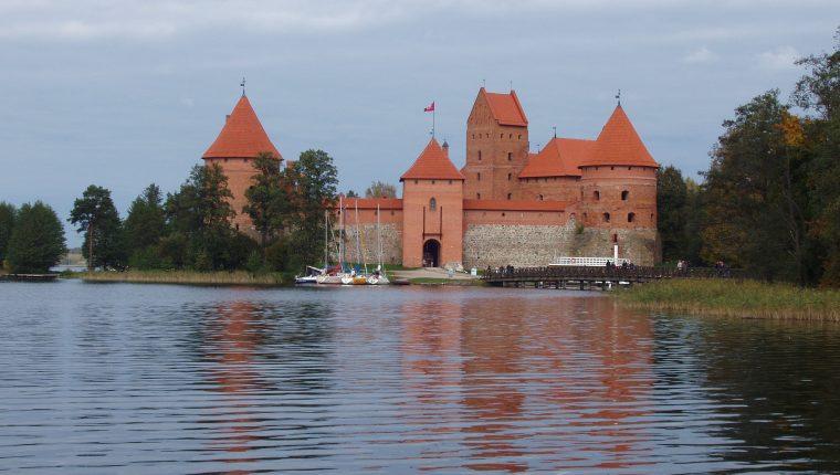 FAM Calima 2010 Lituania